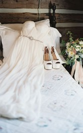 Elegant Off-shoulder Beading Sash Long Chiffon Wedding Dress Wedding Dresses