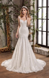 Luxury Lace and Tulle Notched Long Wedding Dress with Applique