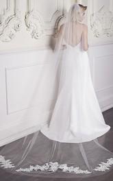 Long Lace Appliques Bride Veil with Hair Comb