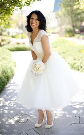 V neck Cap Sleeve Tea Length Tulle Wedding Dresses with Lace Top