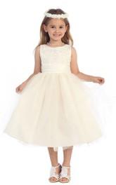 Sleeveless Bateau-neck A-line Dress With Appliques