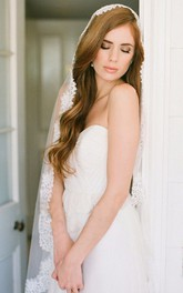 Soft Tulle Wedding Veil with Lace Applique Edge