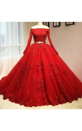 Off-the-shoulder Ball Gown Floor-length Long Sleeve Lace Tulle Prom Dress with Zipper Back