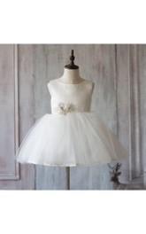 Bateau Neck Sleeveless Knee Length A-line Tulle Dress With Waist Flower