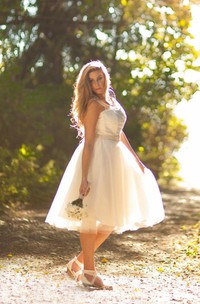 V-Neck Sleeveless Tulle Dress With Bow And Illusion Back