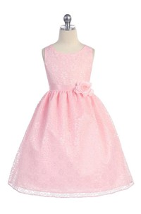 Scoop Neck Sleeveless Pleated Allover Lace Ball Gown With Flower Sash