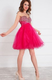 A-Line Short Sweetheart Sleeveless Tulle Beading Ruffles Zipper Dress