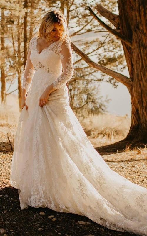 Elegant Country Style Large Size Lace V-neck 3-4 Sleeve Court-train Wedding Dress