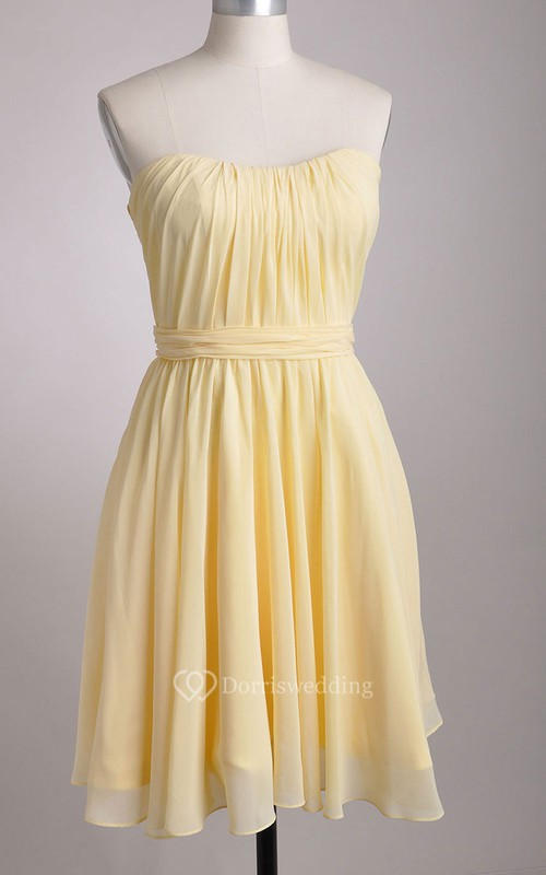 Knee-length Strapless A-line Chiffon Bridesmaid Dress With Pleated